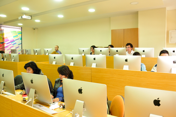 Dise o gr fico universidad santo tom s for Diseno grafico universidades